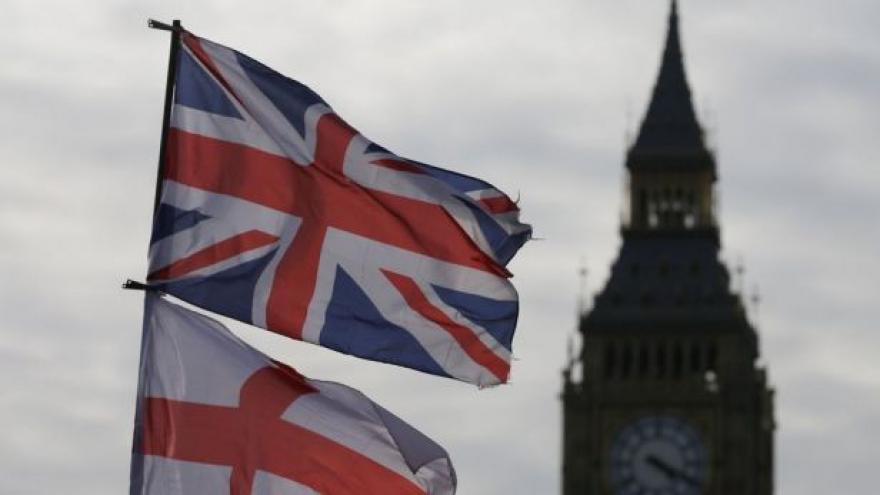 Video Do britských voleb zbývá měsíc