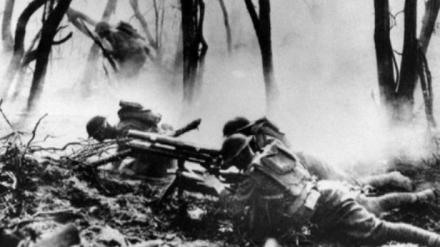 Video 100 let od prvního rozsáhlého chemického útoku