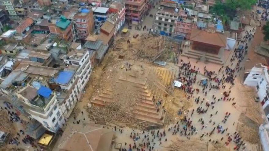 Video Zkáza Káthmándú: Letecké záběry (Zdroj: YouTube/Storyful Editor)