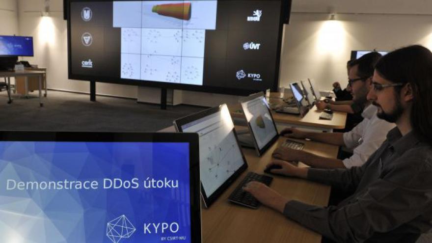 Video Trenažér pro obranu před kyberútoky