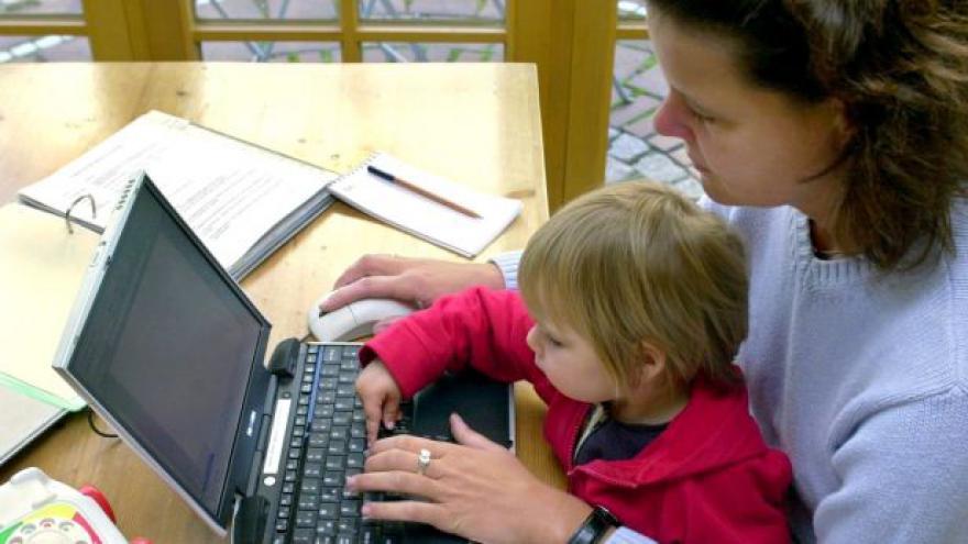 Video Češky o mateřskou nepřijdou, ani když pracovaly v zahraničí