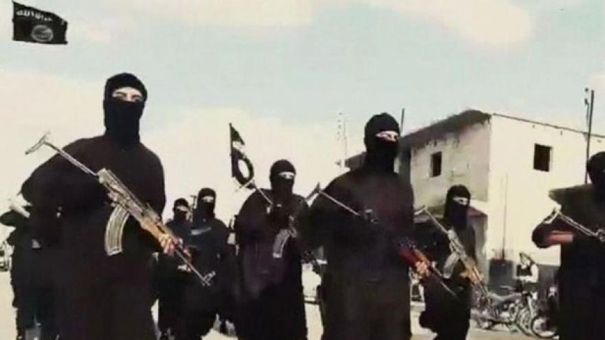 Video Události, komentáře: Tvrdé tresty pro Čechy v řadách IS