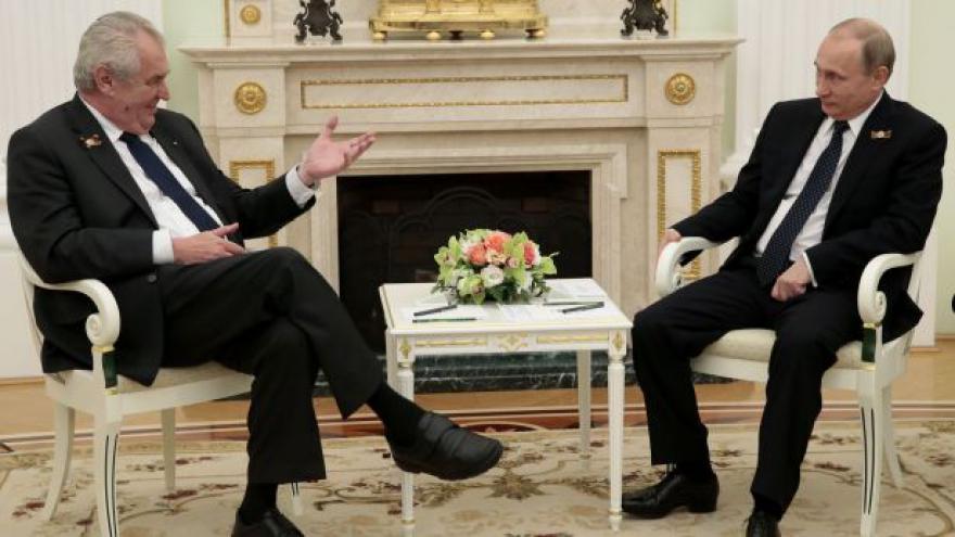Video Zeman přirovnal politiku k počasí - a rozesmál Putina
