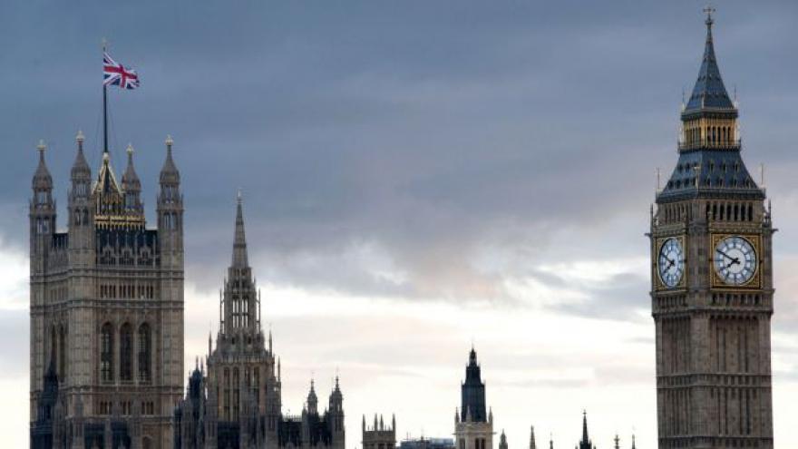 Video Publicista: Nová britská vláda chce pokračovat v kurzu
