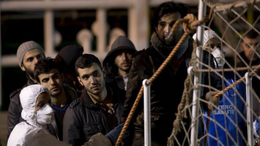 Video EK chce zavést kvóty pro přijímání uprchlíků