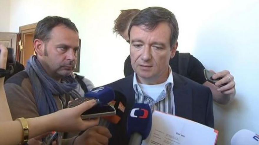 Video Rath: Pacovský trval na tom, že bude jediným obhájcem