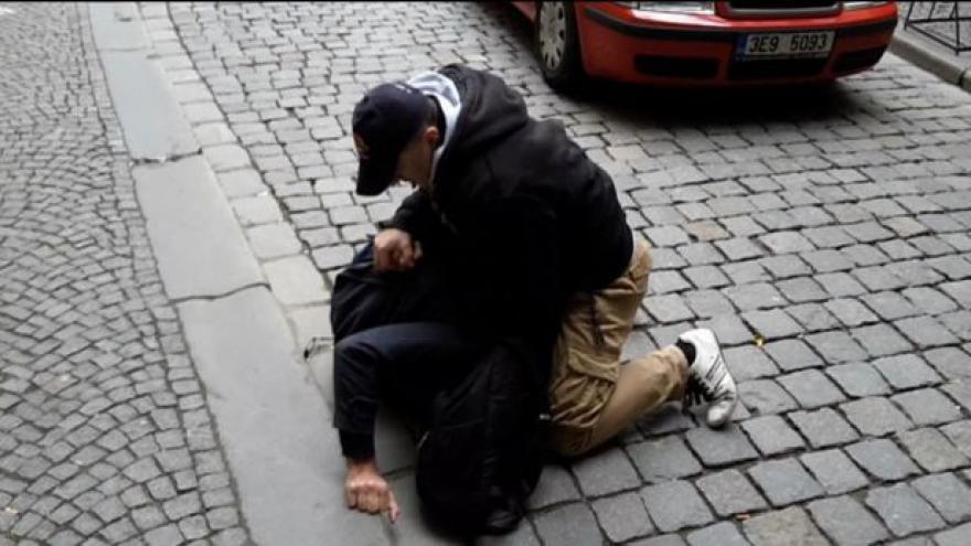 Video GIBS: Při zásahu policista v Pardubicích nepochybil