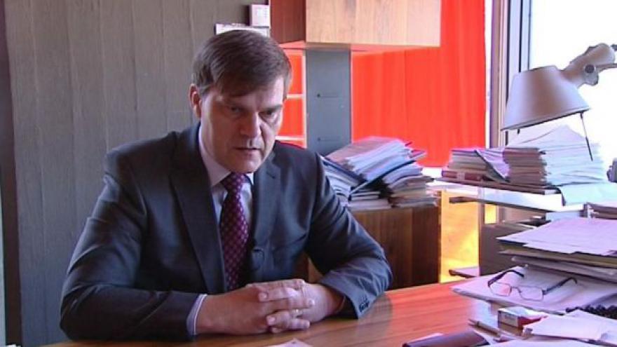 Video Náměstek Jindrák odchází z ministerstva zahraničí