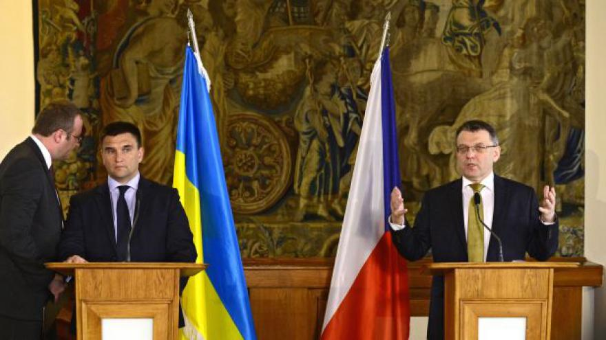 Video Brífink ministrů zahraničí Zaorálka a Klimkina