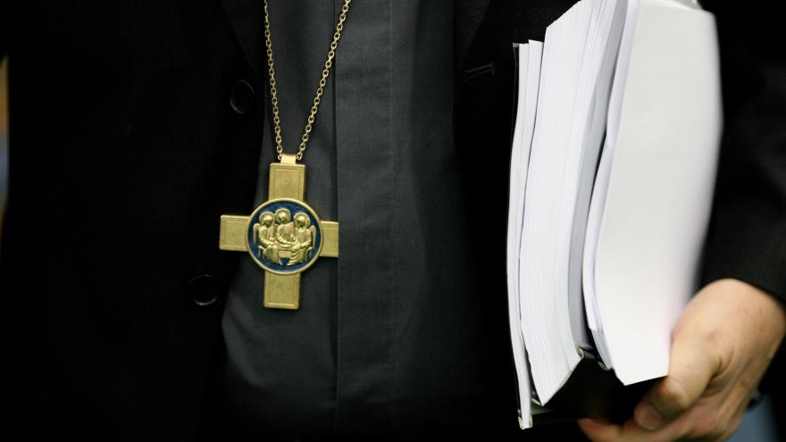 Video Události: Církev vytipovává vhodné objekty pro uprchlíky