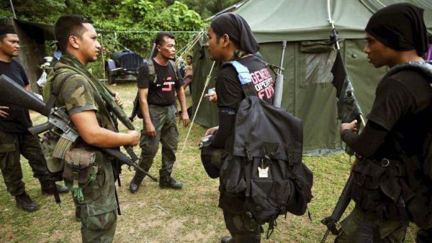 Video V džungli u hranic s Thajskem našli 130 hrobů