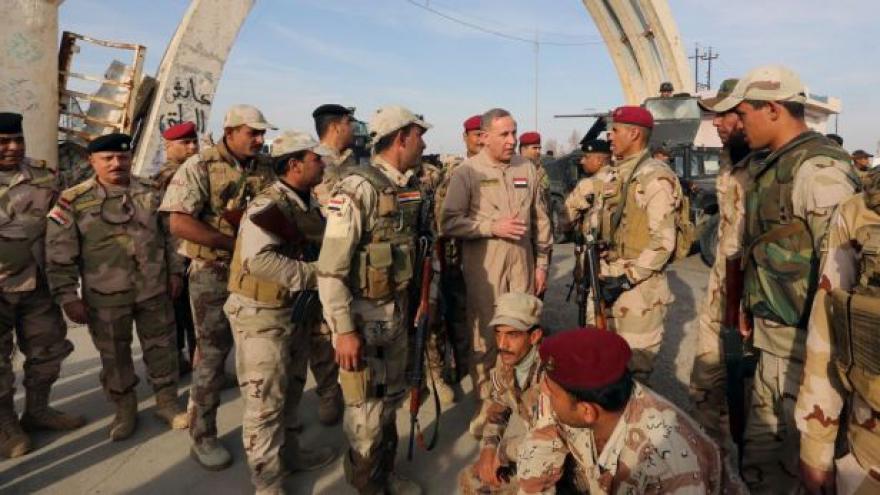 Video Velení irácké armády slibuje zpětné dobytí Ramádí