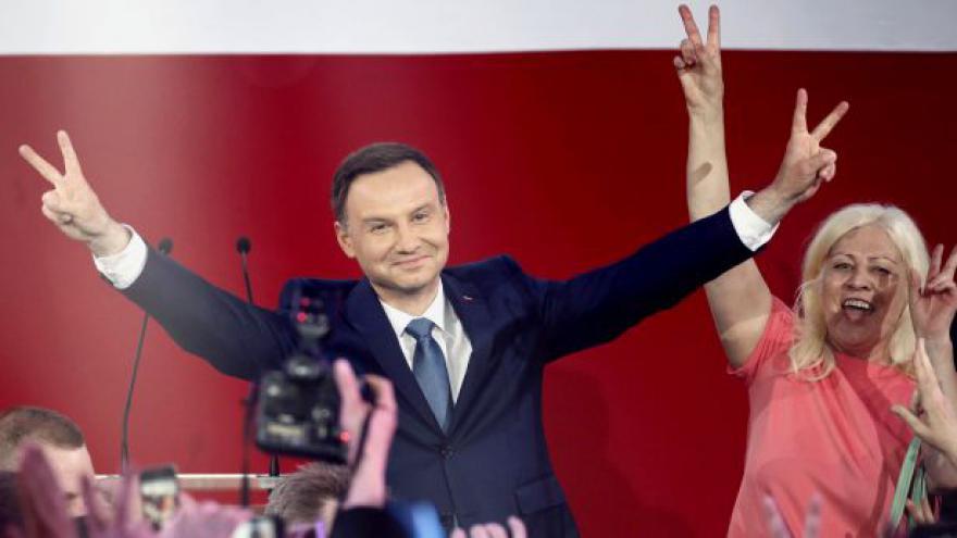 Video Změní Duda silně prounijní kurz Polska?