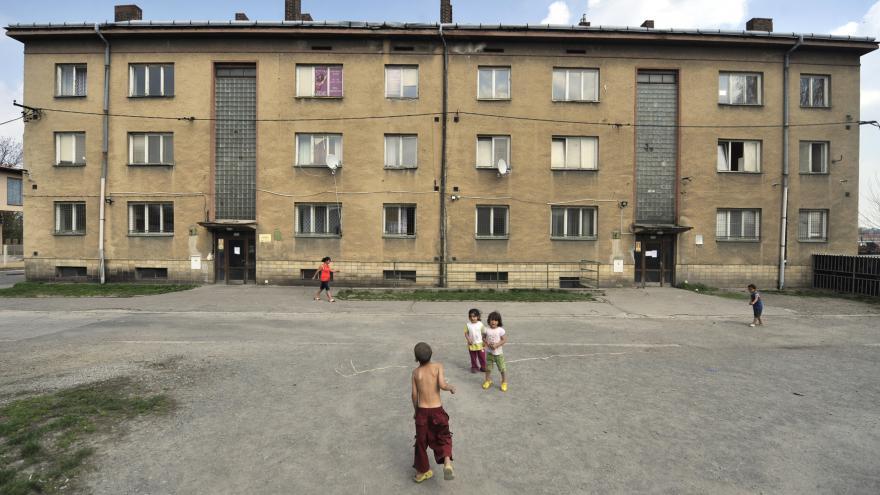 Video 90' ČT24 - Boj proti sociálnímu vyloučení