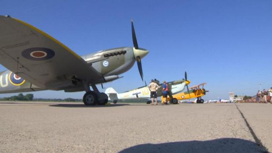 Video UDÁLOSTI: Aviatická pouť začala