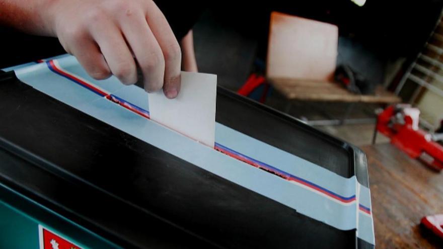 Video Voliči v Kozlově rozdají své hlasy