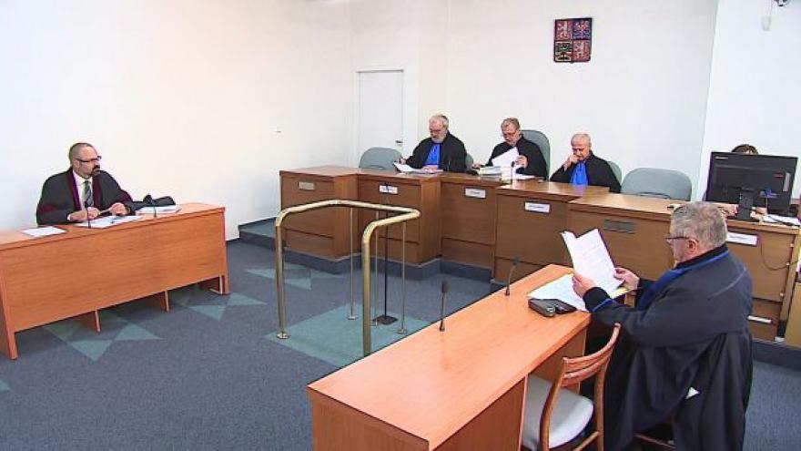 Video Hovoří advokát Jiří Teryngel a mluvčí Nejvyššího soudu Petr Knötig