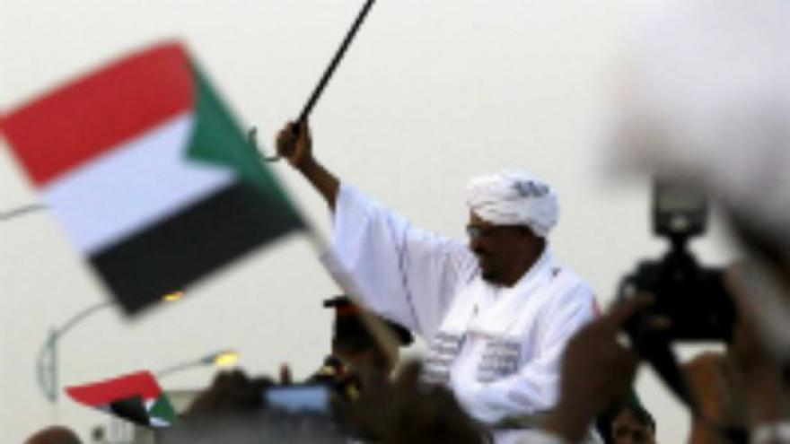 Video JAR nechala Bašíra navzdory zatykači opustit zemi