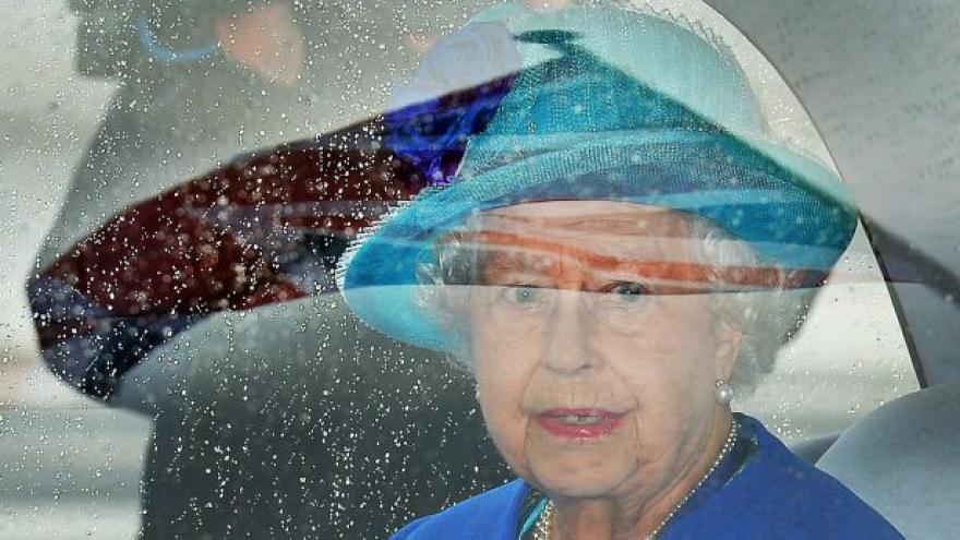 Video Alžběta II. přiletěla do Německa