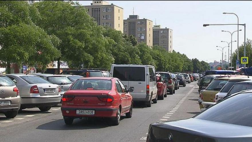 Video Dvojnásobek autobusů na Spořilově