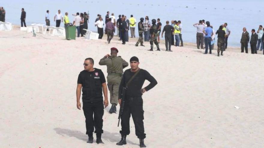 Video Útok v Tunisku si vyžádal desítky mrtvých, Češi mezi nimi nejsou