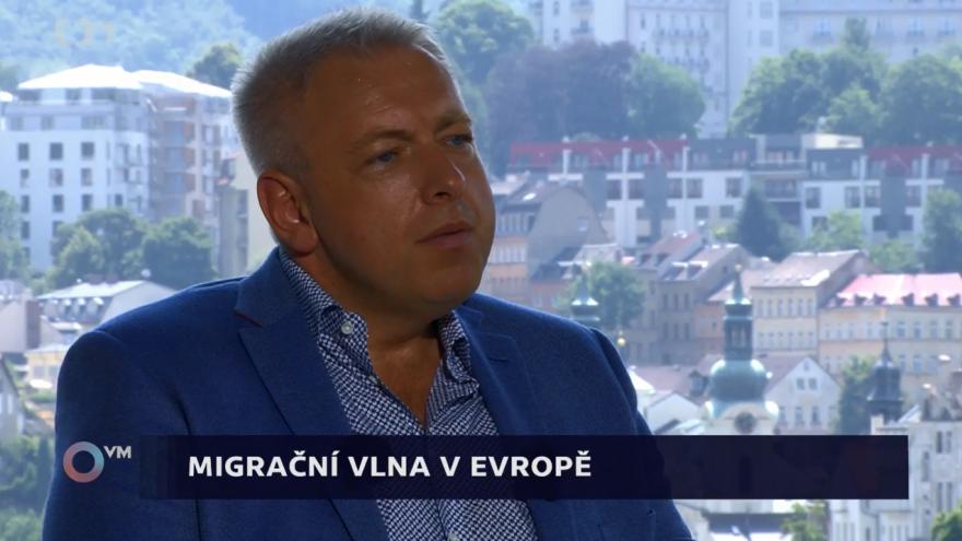 Video Chovanec: Přijetí uprchlíků je jen krátkodobé řešení