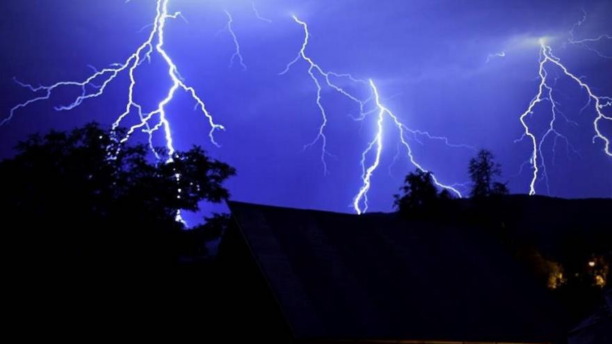 Video Meteorolog Šrámek: Nejsilnější bouřky budou v neděli na jihozápadě Čech