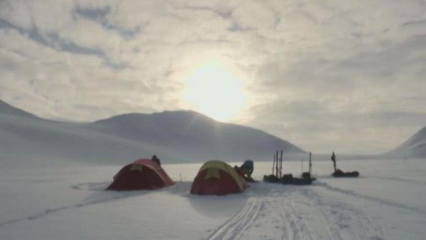 Video Norští studenti byli nejmladší expedicí v historii Severního pólu
