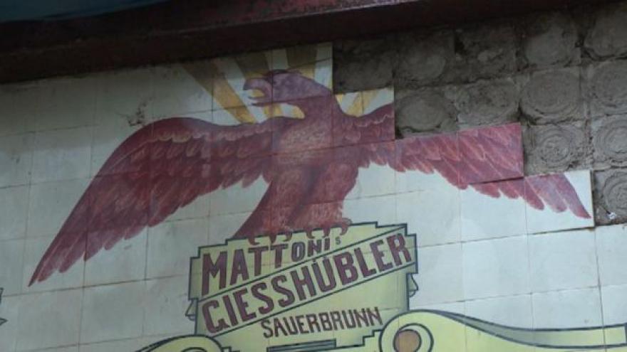 Video Dělníci v Kyselce našli desítky let skryté mozaiky