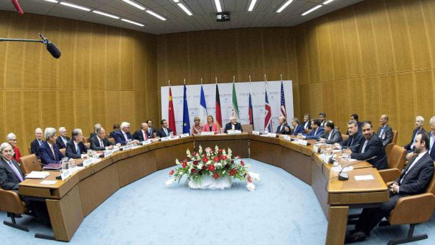Video Washington varuje Teherán před porušením dohody o ukončení jaderného programu