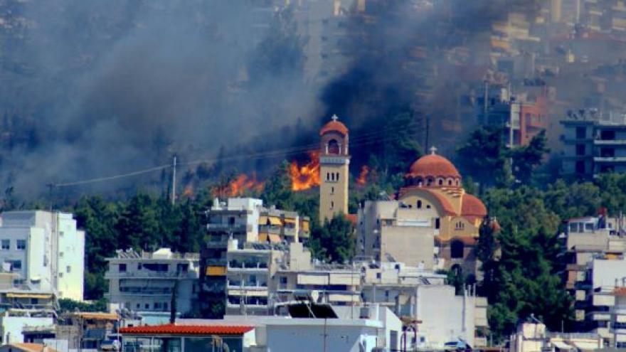 Video Řeckou krizi přiživují lesní požáry