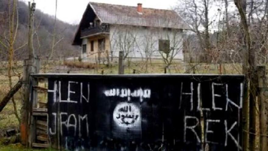 Video Balkanolog: Vahábisté na Balkánu mají na pozemky peněz dost