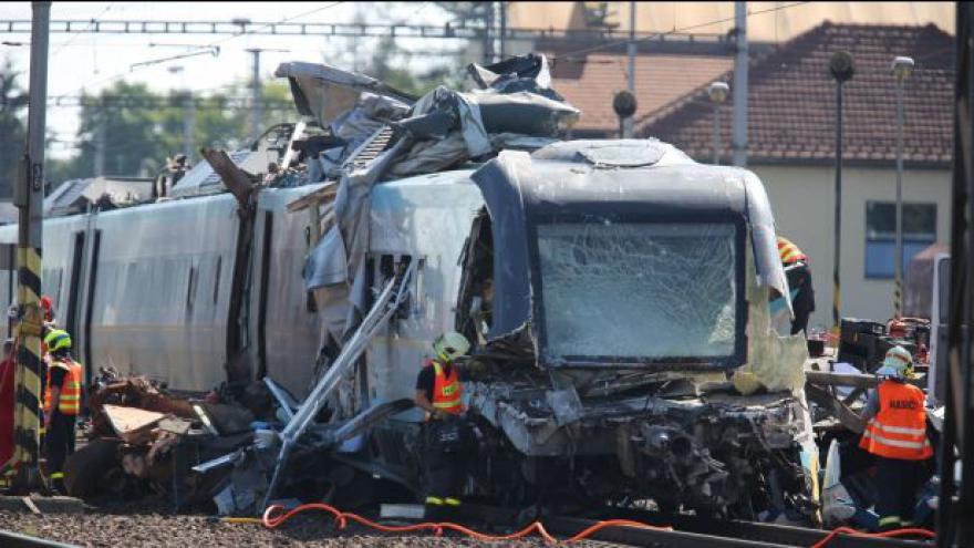 Video Bez komentáře: Tragická nehoda pendolina