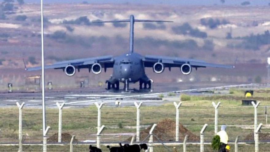 Video Turci bombardovali syrskou vesnici, tvrdí Kurdové
