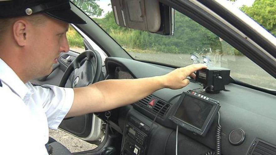 Video Dopravní policie bude dál zpřísňovat kontroly na silnicích
