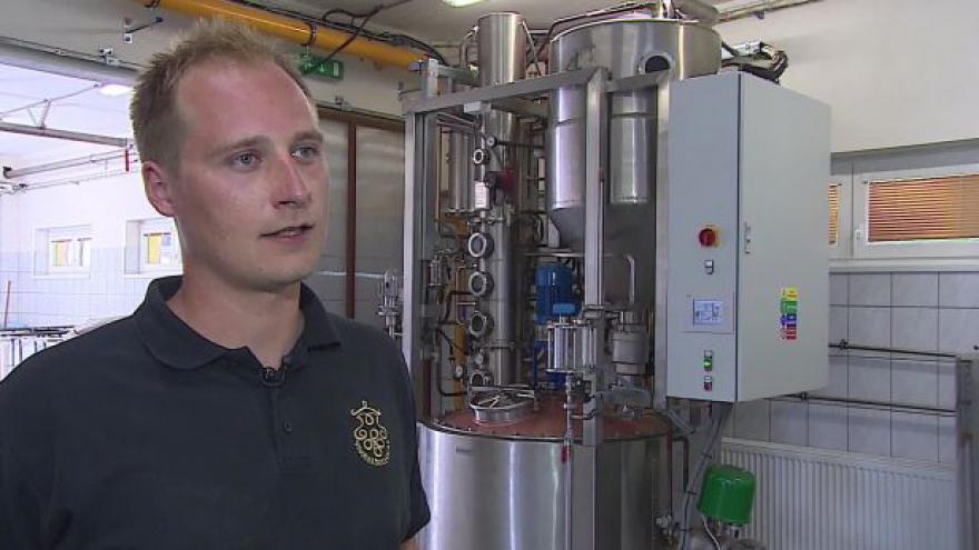 Video Vedoucí pálenice Lukáš Valíček o destilaci