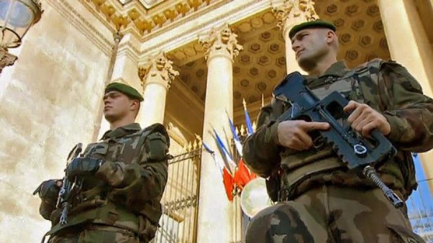 Video Francie zabránila teroristickému útoku