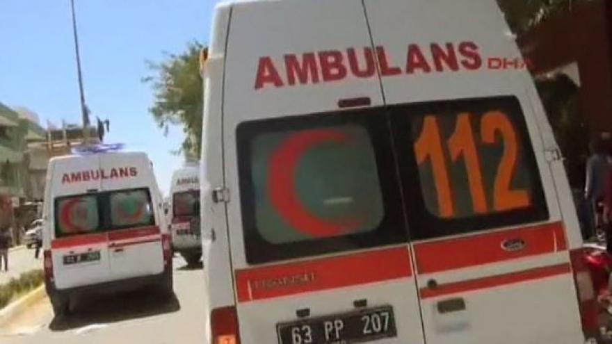 Video Nejméně 30 mrtvých při atentátu v Turecku