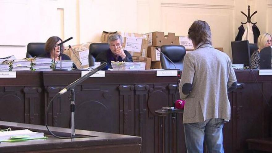 Video Události: Vlasák odmítl před soudem vypovídat