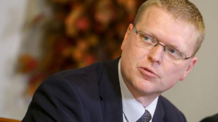 Video Pavel Bělobrádek o přijímání uprchlíků