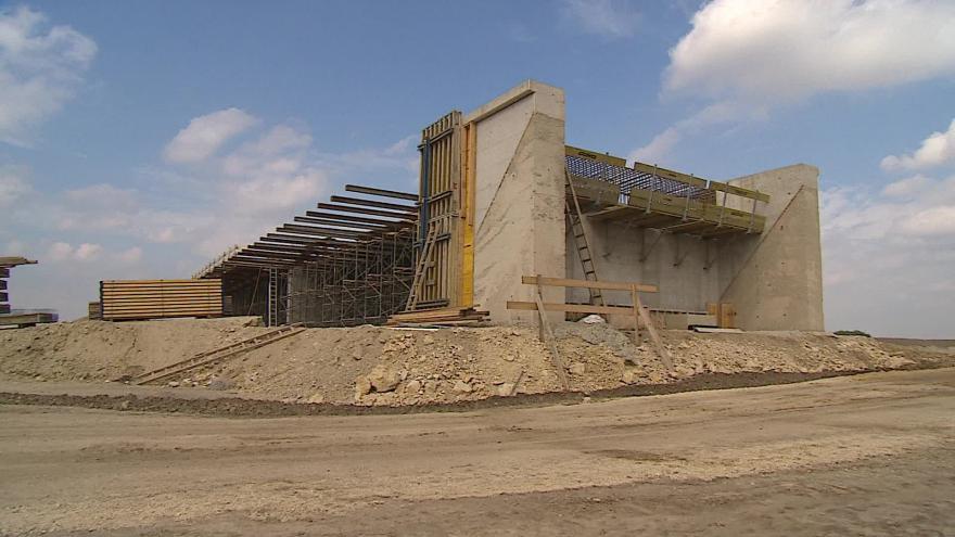 Video Bez komentáře: Stavba rakouské A5 je v plném proudu
