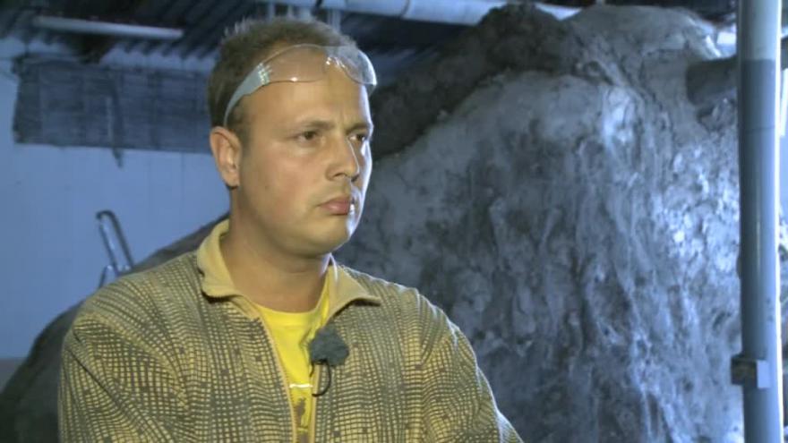Video Sochař Michal Olšiak o zubrovi pro Bystřici nad Perštejnem