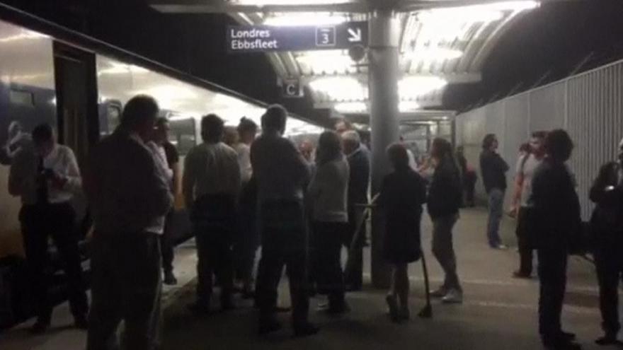 Video Uprchlíci v Calais zablokovali železniční dopravu