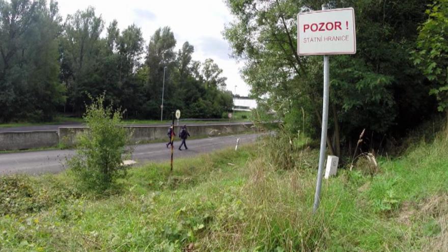 Video UDÁLOSTI: Cesta do Německa je otevřená jen zdánlivě