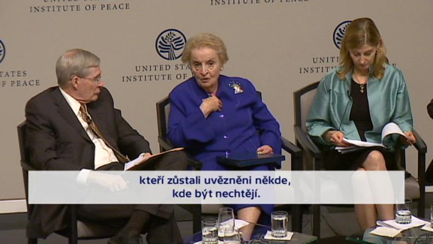 Video UDÁLOSTI: Madeleine Albrightová je vůči Rusku ostražitá