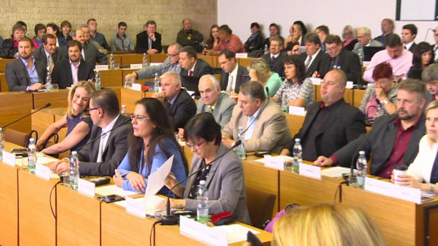 Video Redaktorka ČT: Severočeši udělali rošádu s koaličními partnery