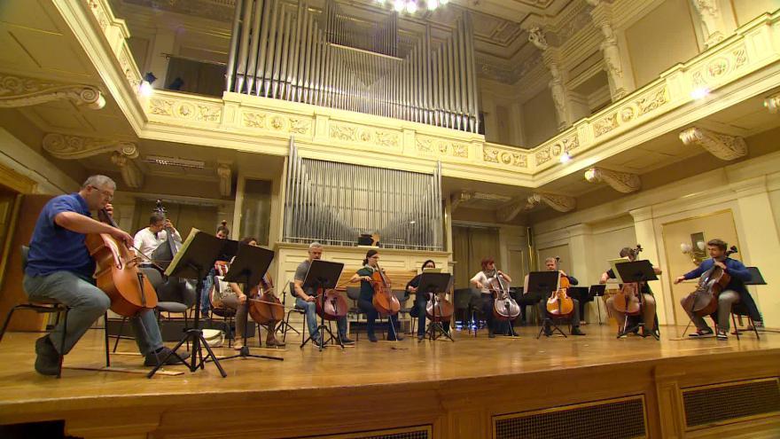 Video Bez komentáře: Zkouška violoncellistů na Moravský podzim