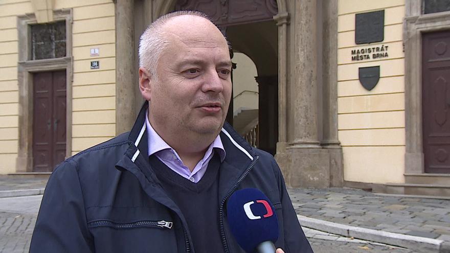 Video Opoziční zastupitel Oliver Pospíšil (ČSSD) o koupi akcií BVV