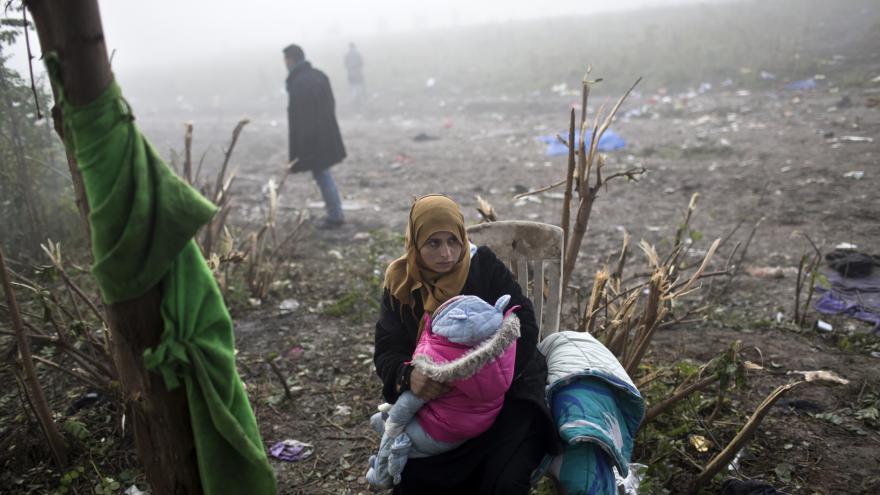 Video Na srbsko-chorvatské hranici pomáhají čeští dobrovolníci