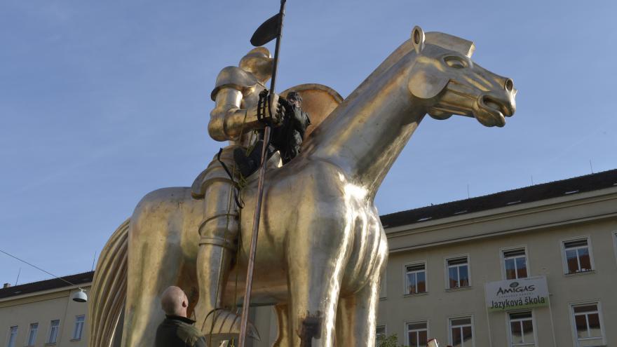 Video Konfrontace Petra Fischera - Pomníkové lapálie